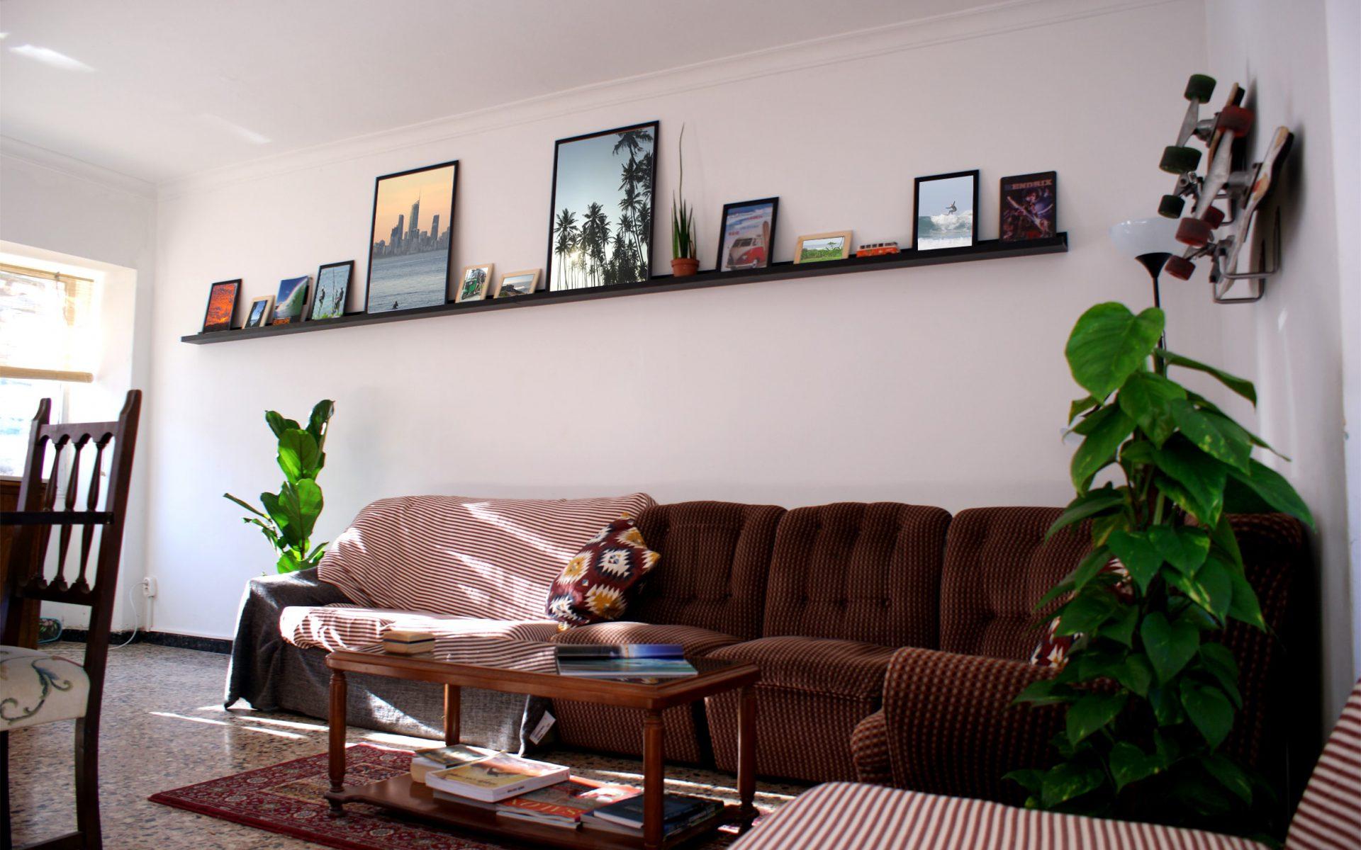 Wohnzimmer mit Sofas