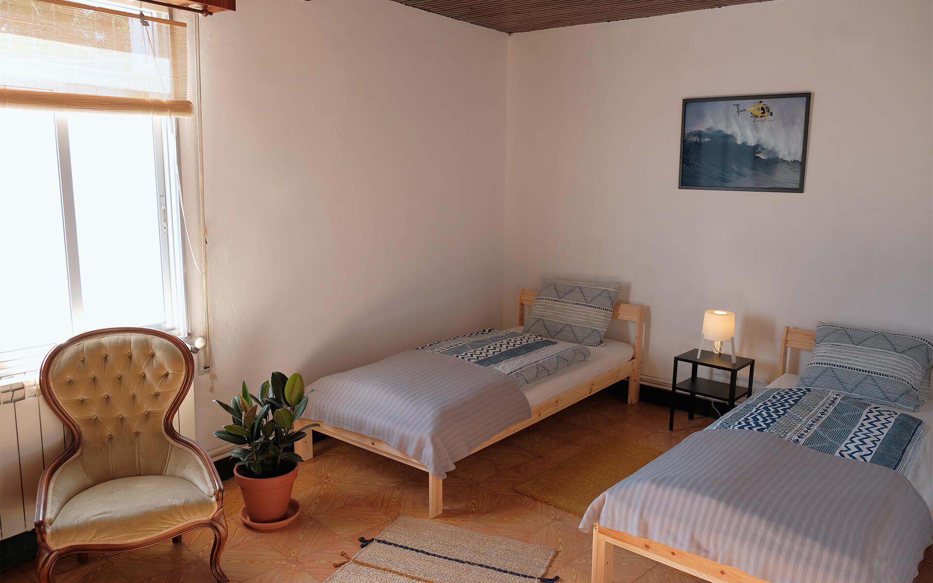 Großes, helles Zweibettzimmer